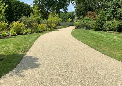 Green Giant LC Oil & Stone Driveway